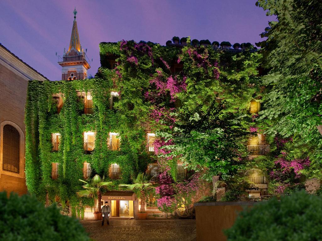 Hotel Raphaël, Italy