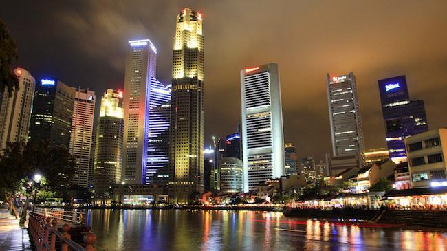 Contrasti D' Oriente: Singapore e Isola di Bintan, Singapore-Indonesia ita