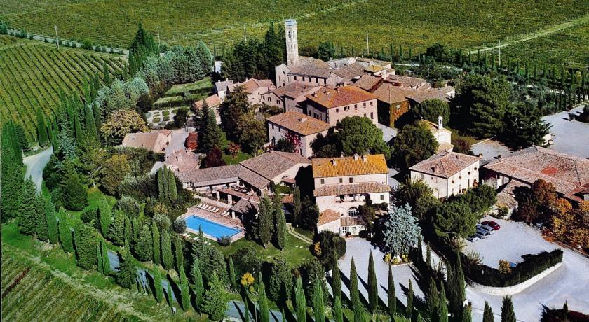 Borgo San Felice Relais & Châteaux, Italia